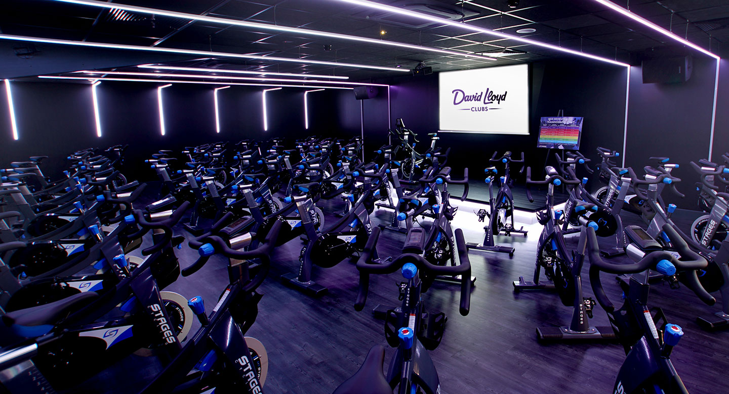 Cycling Studio mit Spinning Bikes